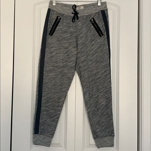ABERCROMBIE AND FITCH JOGGER